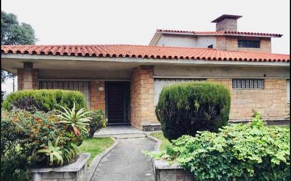 Gran Casa 700 M² Sobre Av Centenario A 200mt De Antel Arena