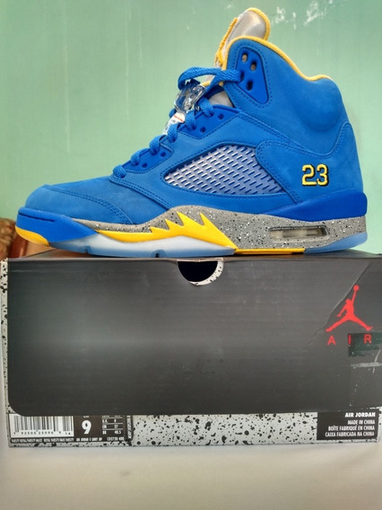 Jordan Retro 5 Varsity Royal.