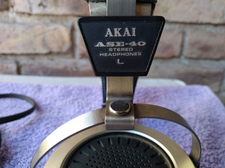 Auriculares Akai Ase-40. Japoneses