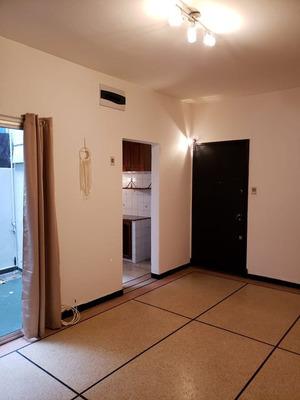 Solido Apartamento Ubicado En El Corazon De Punta Carretas