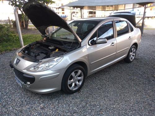 Imagem 1 de 12 de Peugeot 307 Sedan 2008 2.0 Feline Aut. 4p