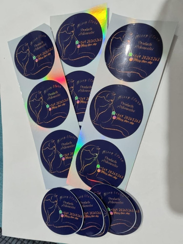 Imagen 1 de 1 de Stickers Troquelados Holográficos