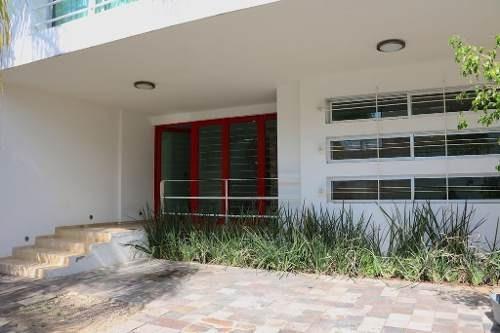 Excelente Residencia En Venta En Fraccionamiento Arboledas