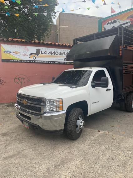 Camion Chevrolet 3500 Hd Con Jaula Ganadera