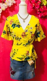 Blusa Amarilla Estampada En Flores