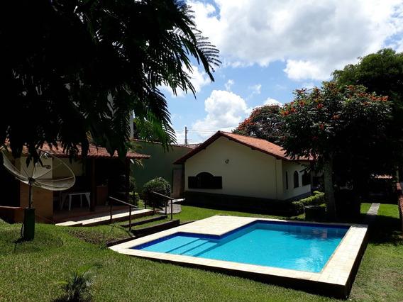 Casa Com 3 Quartos E 3 Banheiros No Bairro Village São Roque