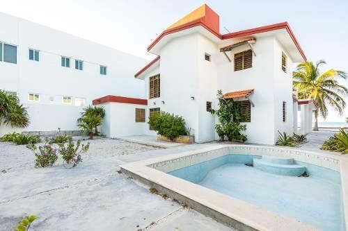 Casa De 3 Habitaciones 1ra Fila En Chicxulub Puerto