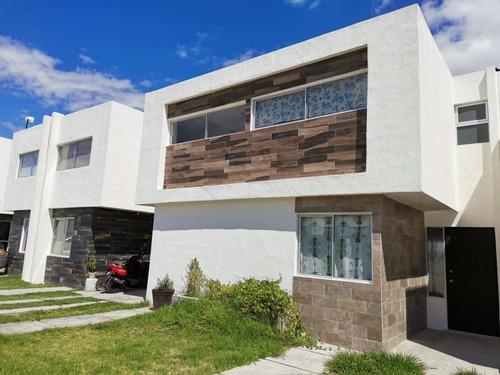 Imagen 1 de 12 de Casa Sola En Venta Villa De Pozos