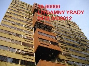 Apartamento En Venta En Mañongo, De Oportunidad 19-60006