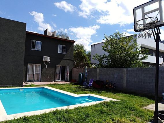 Altos De La Calera,casa En Venta, 3 Dormitorios, Pileta