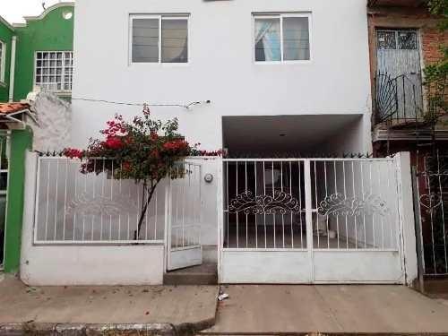 Casa En Venta En Buen Estado, Col. Arenales Tapatío