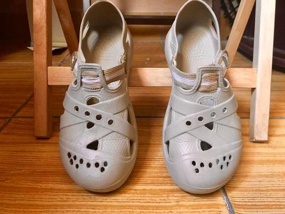 Bonitas Sandalias Tipo Crocs, En Excelente Estado