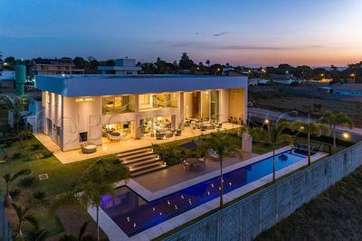 Majestosa Residência De 1054m² Para Quem Busca Exclusividade, Luxo E Conforto. - Villa116833