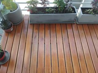 Balcon Terraza De Madera Herramientas Y Construcción En