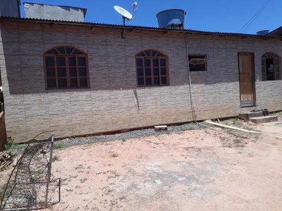Casa De 2 Quartos, 1 Banheiro, Cozinha, Copa