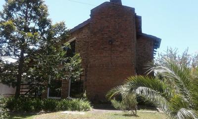 Casa En Venta En El Pinar 4 Dormitorios 2 Baños Y Garage