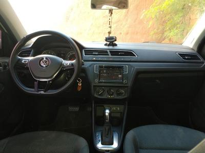 Volkswagen Voyage 1.6 Automático