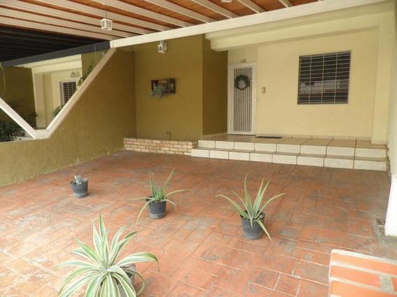 Townhouse En Venta Sabana Del Medio Libertador 20-22562 Raga