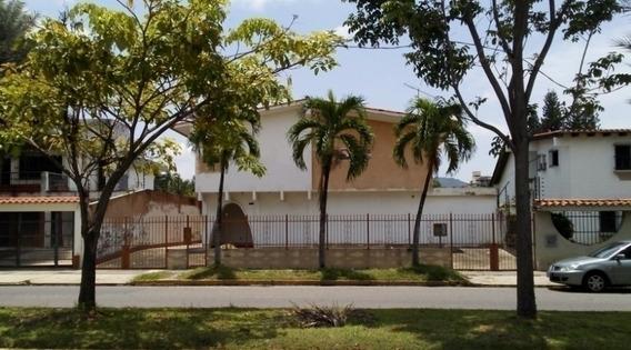 Casa De Uso Comercial 416m. Av. Principal La Viña