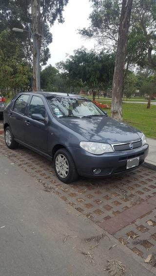 Fiat Palio 1.8 Gris 5 Puertas