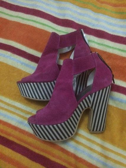 Zapatos De Gamuza Fucsia Con Plataforma Rayada