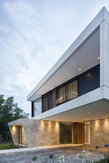 Casa De Diseño Al Lago En Venta Y Alquiler