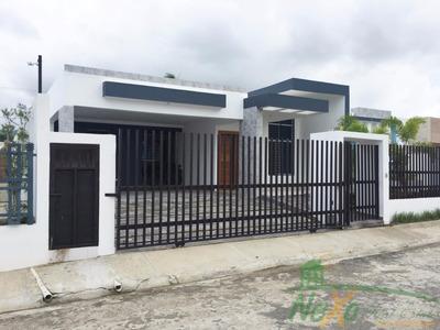 Casa Minimalista En Proyecto Cerrado (eac-172)