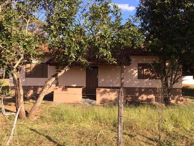 Casa Com 3 Quartos, Copa, Cozinha, Sala,wc Toda Forrada