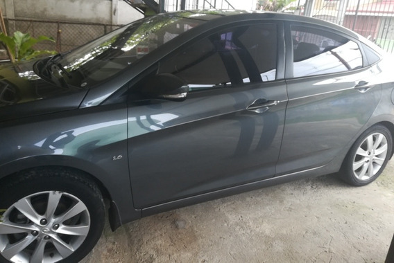 Hyundai Accent Blue 2012