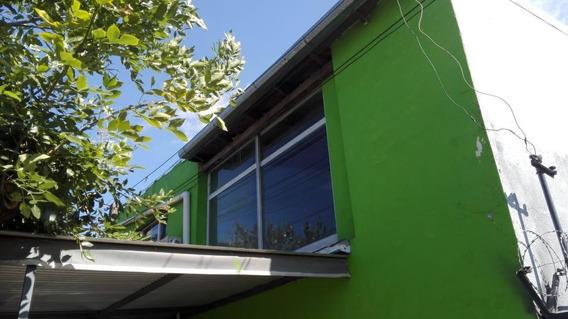 Casa 2 Dormitorios - Galvez 5946 Planta Alta