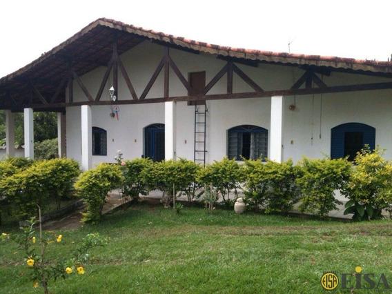 Linda Chácara Com 3 Dorm 1 Suíte Sala Cozinha Com 3 Vagas Cobertas Em Jacareí - Ej3685