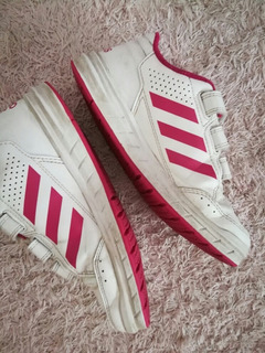 Zapatillas adidas Nena, Talle 32, Estado Impecable!!