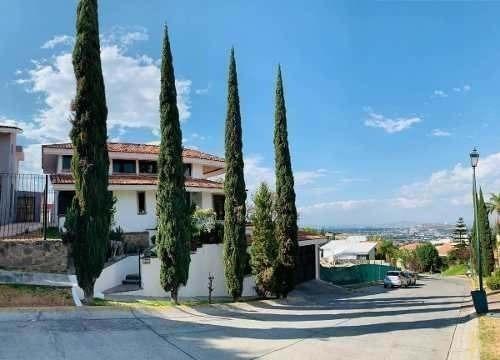 Casa Amplia Panorámica; El Palomar Segunda Sección