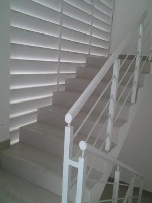 Liriano Alq. Apartamentos Estudio Prox. A Utesa Santiago.