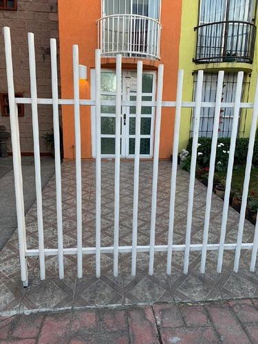 Casa En Condominio En Venta En San Mateo Otzacatipan, Toluca, México