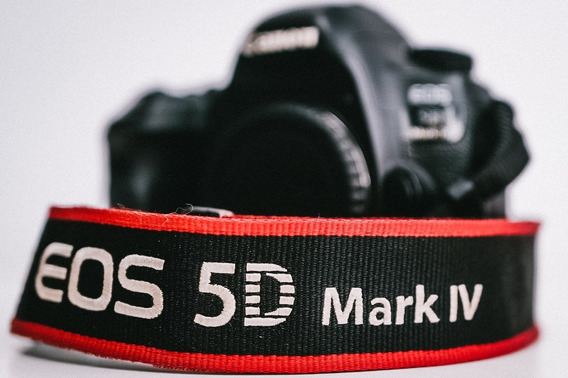 Camera Dslr Canon Eos 5d Mark Iv Corpo Usada Unico Dono