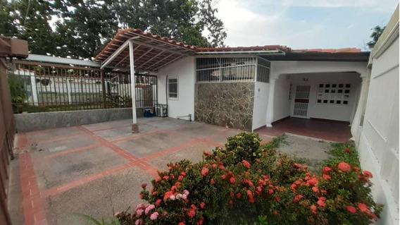 Casas En Venta En El Recreo Cabudare Lara 20-3866