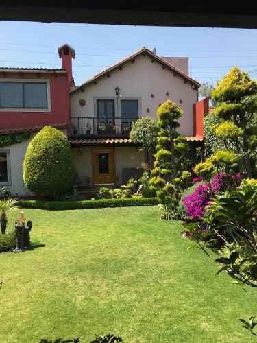 Residencia En Venta En Metepec