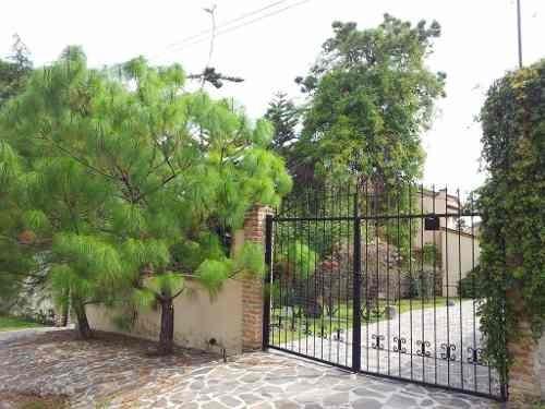 Casa Con Alberca Rodeada De Áreas Verdes, La Herradura