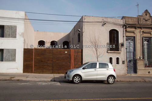 Alquiler De Casa En Tres Cruces. Empresa, Hostel, Cowork...