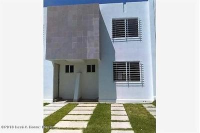Casa En Renta En Sonterra, Queretaro, Rah-mx-19-1062