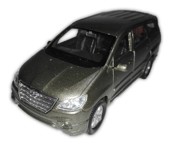 Toyota Innova Welly Nex 1/38 - Ruedas De Goma