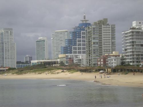 Apartamento En  Rambla Williman Parada 2  Frente Al Mar