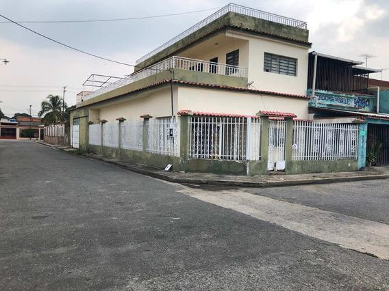 Casa En Venta En Michelena Valencia 20-16679 Ajc