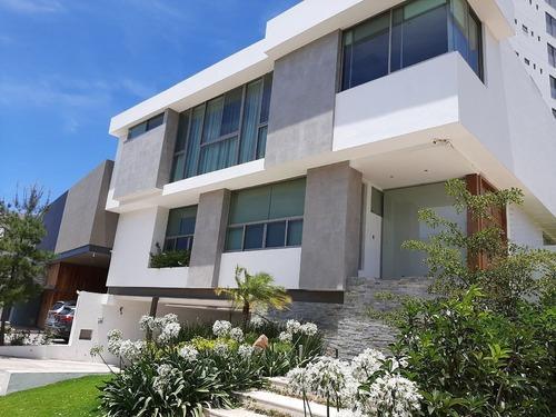 Excelente Residenca En Venta En Puerta Las Lomas Con Acabados Unicos