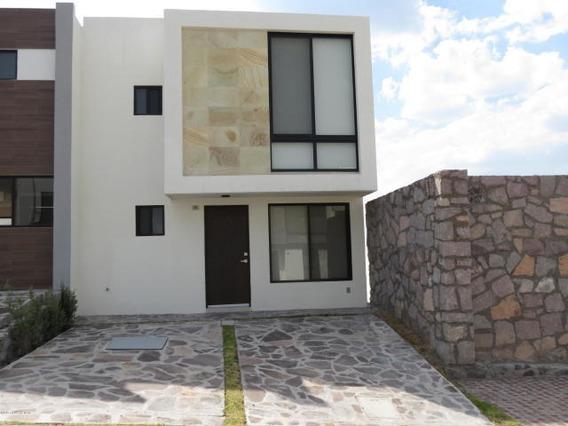 Zibata Casa En Renta 3 Hab, Exclusivo Condominio. Rah3