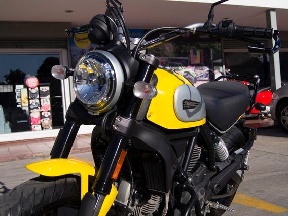 Ducati Scrambler Icon + Accesorios