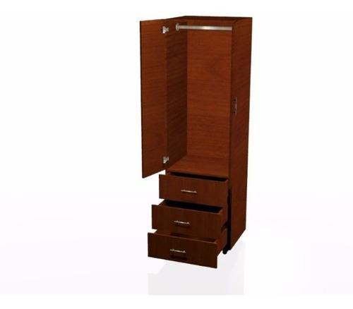 Closet  Moderno Por Modular/ Escaparates/armarios