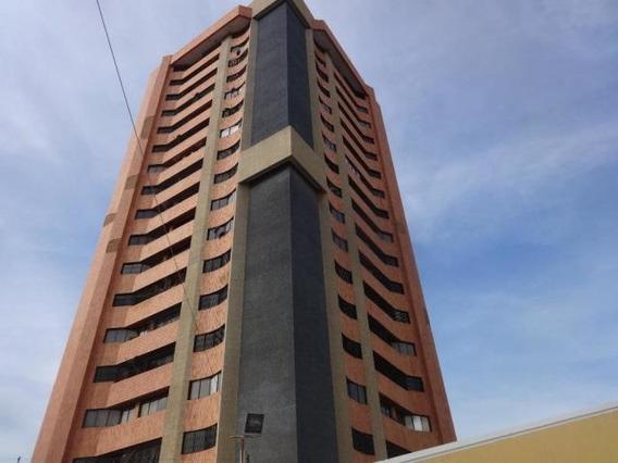 Apartamento En Alquiler. Juana De Ávila. Mls 20-9599. Adl.