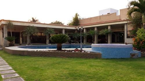 Casa Sola En Jardines De Delicias / Cuernavaca - Caen-481-cs